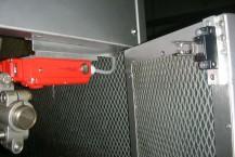02- Neue Sicherheitsschalter an den Türen